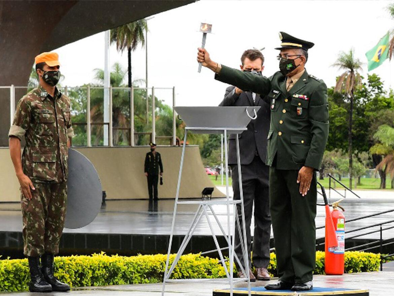 Dia da Bandeira é celebrado em organizações militares do Exército Brasileiro em todo o território nacional
