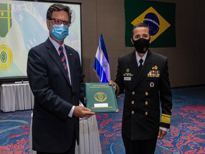 Em El Salvador, 25 anos da Missão Militar Brasileira e condecoração do Ministro da Defesa