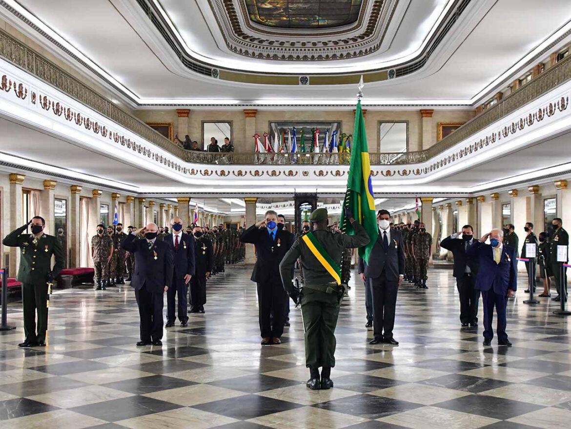 Entrega da Medalha Tributo à Força Expedicionária Brasileira e realização da cerimônia de Compromisso ao Primeiro Posto