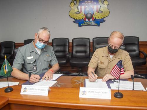 Força de Submarinos participa da Submarine Staff Talks, nos EUA