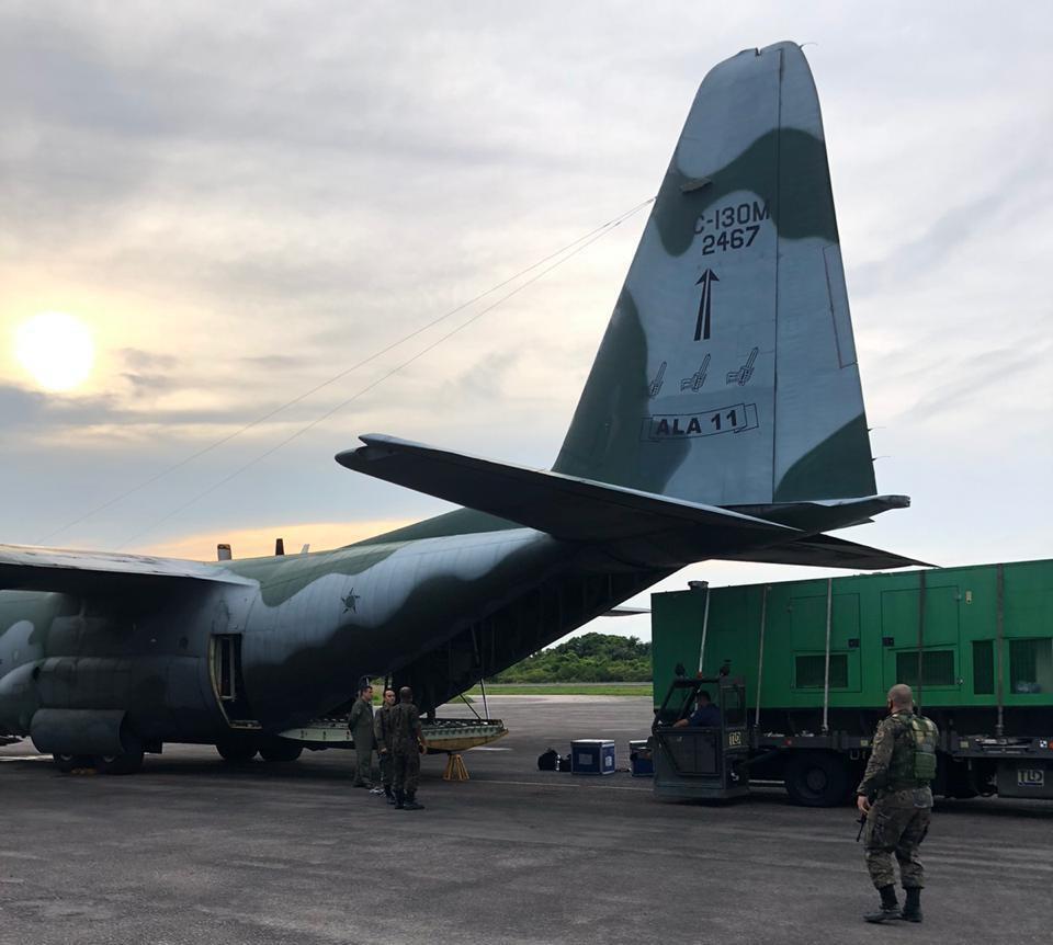 Forças Armadas transportam geradores para auxiliar no restabelecimento de água no Amapá