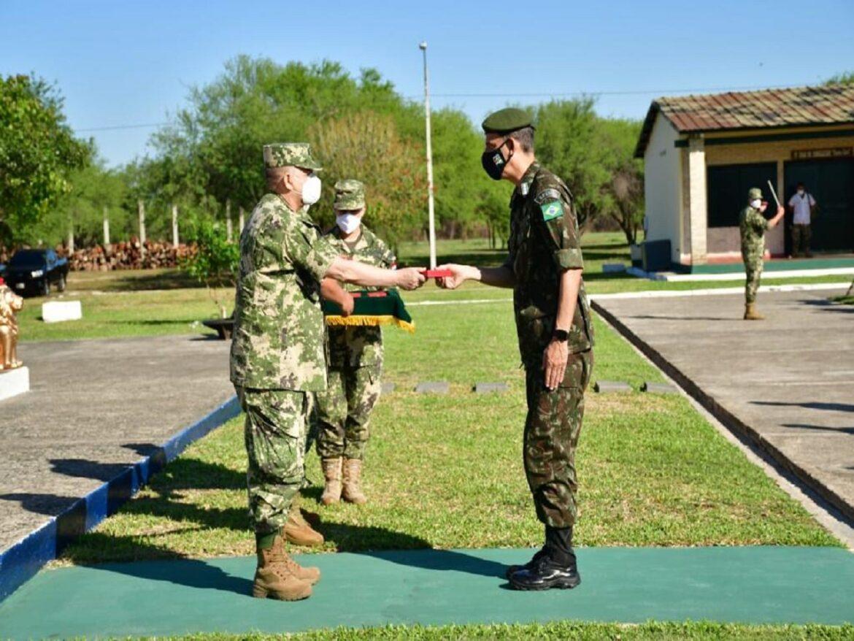 "Militares Brasileiros são condecorados na ""Escuela de Infantería"" no Paraguai"