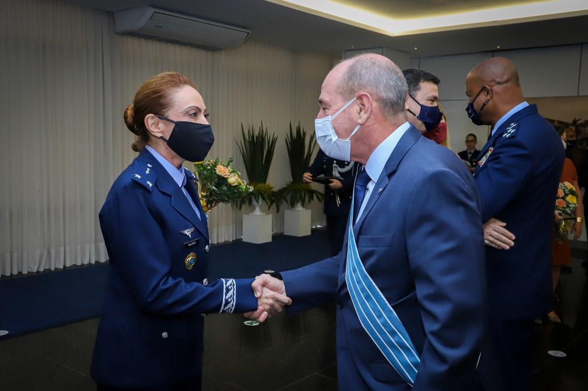 Ministro da Defesa participa de cerimônia de promoção da primeira militar a Oficial General da FAB