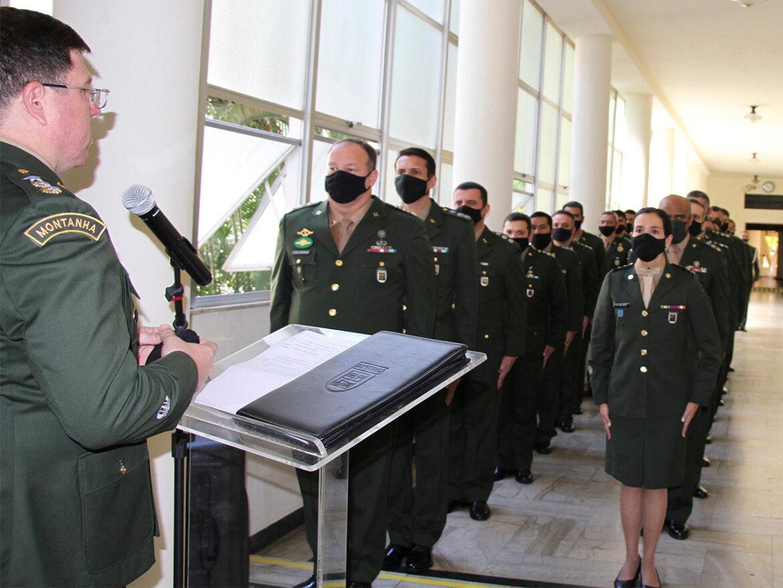 Inauguração de placas das turmas e premiação de destaques de nações amigas