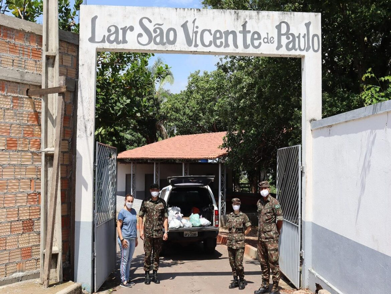 Brigada entrega donativos a entidades sociais de Marabá (PA)