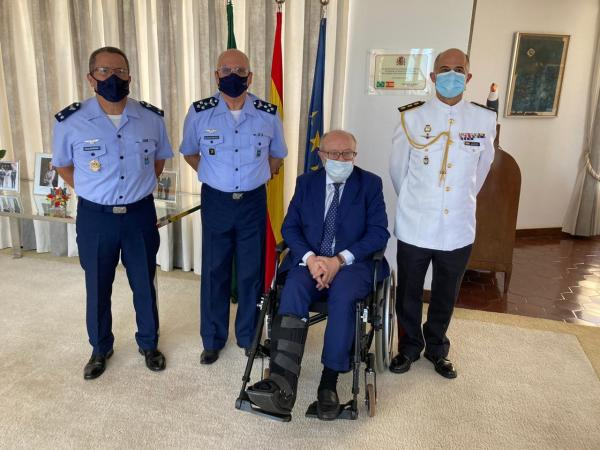 Comandante da Aeronáutica visita Embaixador da Espanha