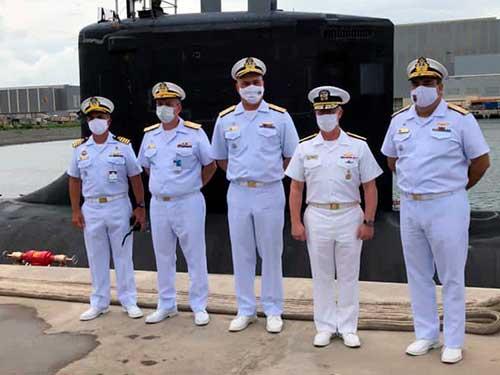 Commander, Submarine Forces visita a Força de Submarinos