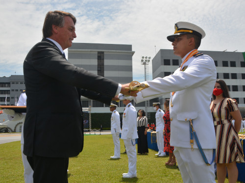 Escola Naval realiza Cerimônia de Declaração de Guardas-Marinha de 2020