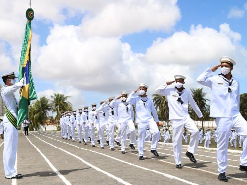 Escola de Aprendizes-Marinheiros do Ceará realiza cerimônia de formatura de 314 marinheiros