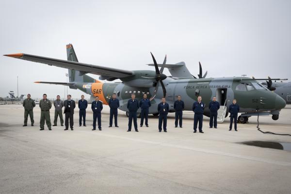 Força Aérea Brasileira recebe terceira aeronave SC-105