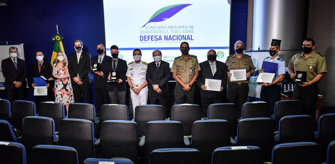 Ministério da Defesa e CAPES premiam melhores dissertações e teses sobre Defesa Nacional