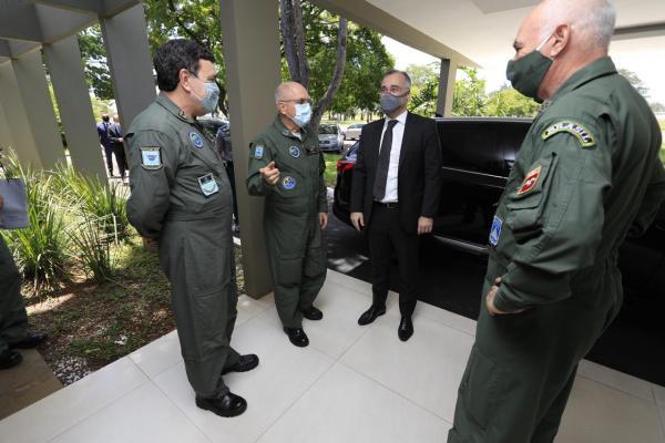 Ministro da Justiça visita Comando de Operações Aeroespaciais