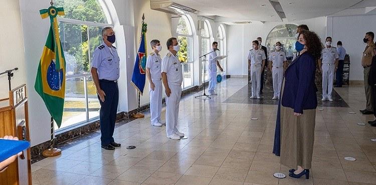 Personalidades recebem título de 'Amigo da Marinha' na ESG