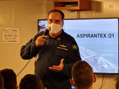 """Comandante em Chefe da Esquadra embarca no NAM """"Atlântico"""" em dia decisivo da """"Aspirantex/2021"""""""