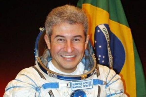 Força Aérea Brasileira celebra Dia do Astronauta
