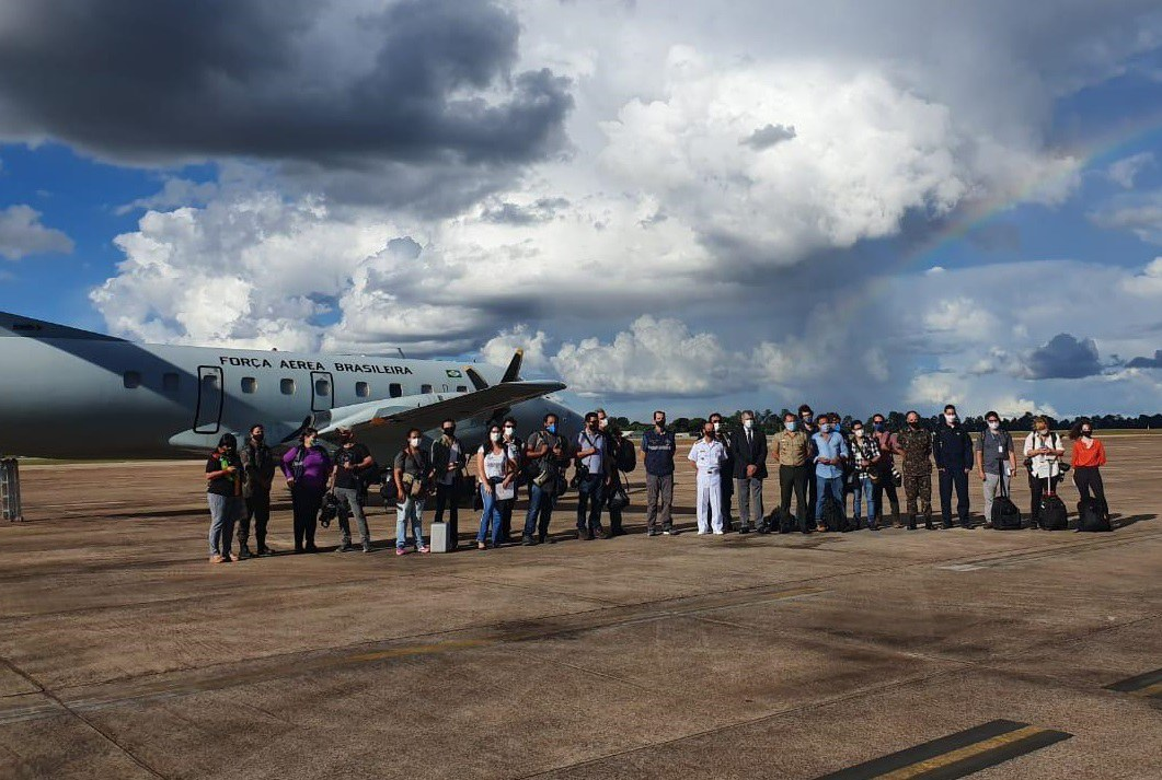 Jornalistas acompanham distribuição de vacinas e vacinação em terras indígenas do Amazonas a convite da Defesa