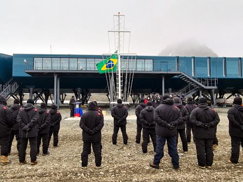 Estação Antártica Comandante Ferraz comemora seu 37º aniversário