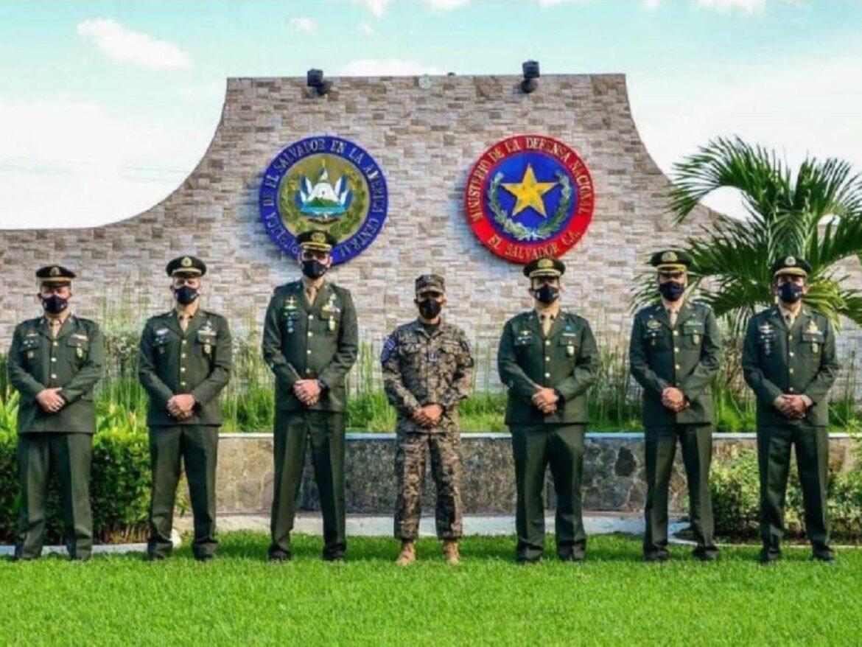 Apresentação e Despedida de Instrutores e Monitores nas Forças Armadas de El Salvador