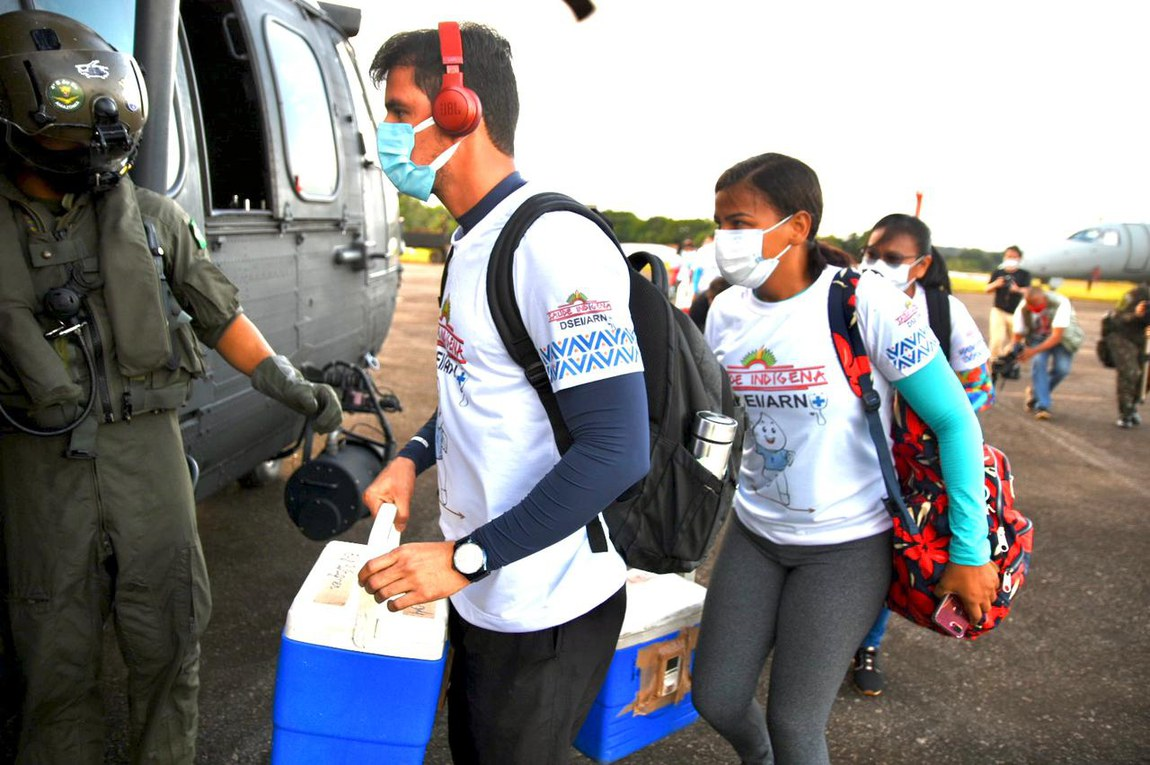 Ação interministerial realiza vacinação dos indígenas do Alto Rio Negro, no Amazonas