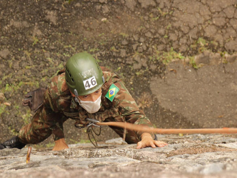 Estágio Básico forma novos combatentes de montanha do Exército
