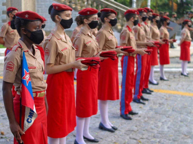 Colégio Militar realiza formatura de entrega da boina garança aos novos cadetes de Thomaz Coelho