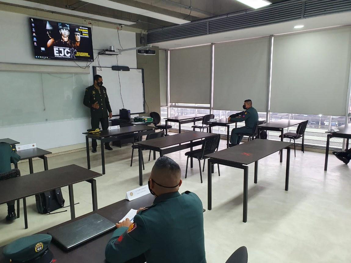 Militares brasileiros ministram curso em desminagem humanitária na Colômbia