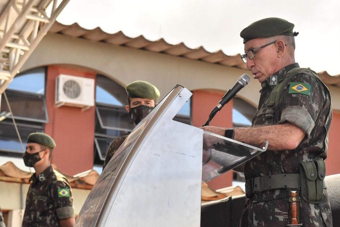 Ministro participa de cerimônia de transmissão de cargo do Comando de Defesa Cibernética