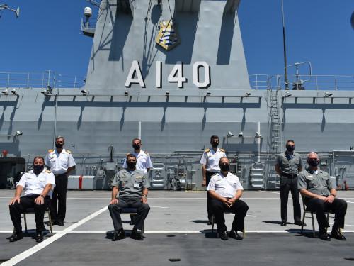 "Navio-Aeródromo Multipropósito ""Atlântico"" recebe visita de Comitiva da Armada Argentina"