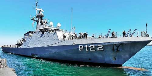 """Navio-Patrulha Oceânico """"Araguari"""" atraca em Walvis Bay, durante """"Obangame Express – 2021"""""""