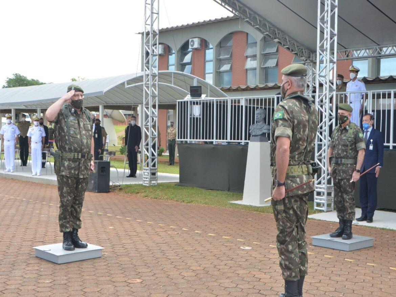 Passagem de comando do Comando de Defesa Cibernética e do Forte Marechal Rondon