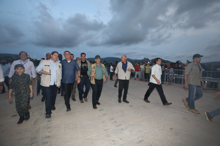 Presidente visita obras de duplicação da BR-222, no Ceará
