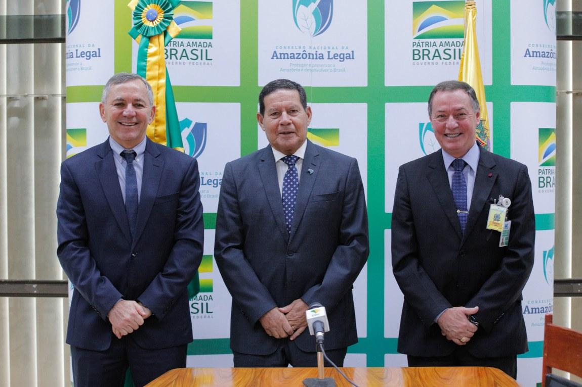 """Programa Calha Norte é tema do """"Por Dentro da Amazônia"""" com Vice-Presidente Mourão"""