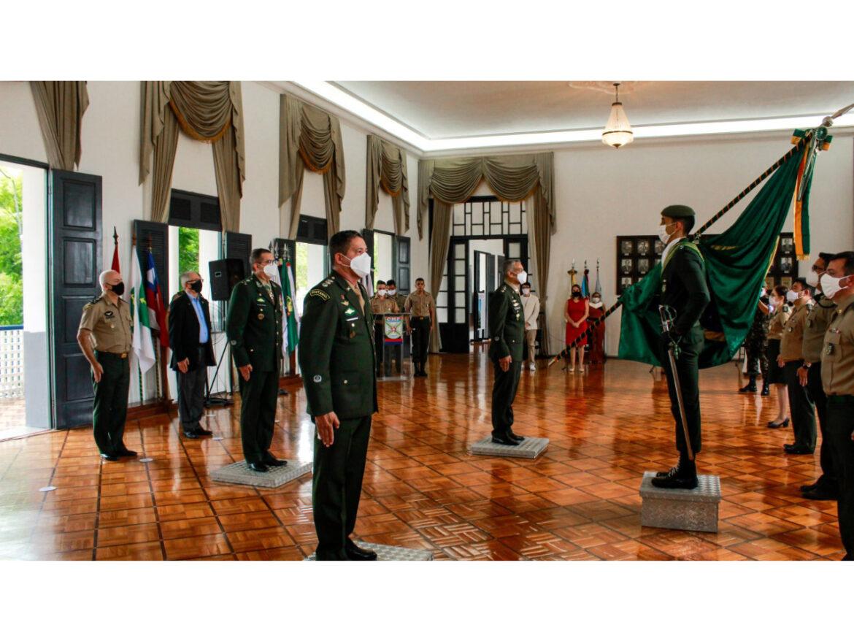 Em Fortaleza (CE), Colégio Militar realiza solenidade de passagem de comando